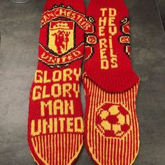 Manchester City, Manchester United, Maleficent, Knitting Patterns, The Unit, Pictures, Man United, Knitting Stitches, Knit Patterns