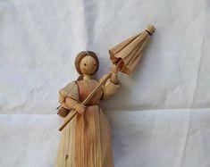 Corn husk dolls | Etsy Corn Husk Crafts, Corn Husk Dolls, Dry Flowers, Folk, Crafting, Handmade, Etsy, Straw Crafts, Baby Dolls