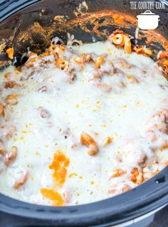 Crockpot Million Dollar Pasta The Country Cook - Crockpot Million Dollar Pasta has layers of sauce, pasta, beef and a special cream sauce all topped with melty, gooey mozzarella cheese! Crockpot Dishes, Beef Dishes, Pasta Dishes, Best Spaghetti Recipe, Spaghetti Recipes, Pasta Recipes, Pasta Meals, Slow Cooker Recipes, Crockpot Recipes