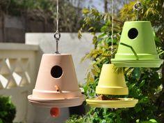 DIY : Transformer des pots de fleurs en nichoirs/mangeoires | Leroy Merlin