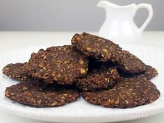 Oatmeal and chocolate cookies without sugar or flour Sweets For Diabetics, Healthy Sweets, Healthy Food, Diabetic Sweets, Healthy Desserts, Easy Desserts, Cookie Recipes, Dessert Recipes, Base Foods