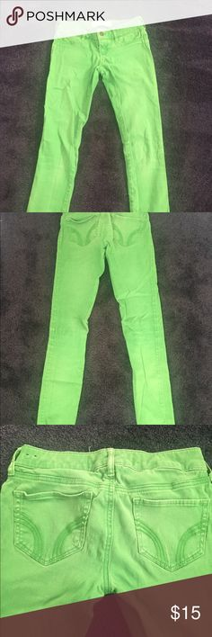 Hollister Green Jeggings Size 23 Good condition. No stains. Super comfortable. Hollister Pants Skinny