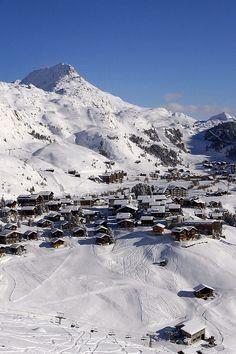 Partners for ski rental & snowboard rental in Riederalp. Ski Rental, Snowboard, Switzerland, Skiing, Adventure, Mountains, Travel, Outdoor, Instagram