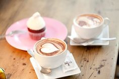 Find images and videos about food and yummy on We Heart It - the app to get lost in what you love. Coffee Date, My Coffee, Coffee Cups, Fresh Roasted Coffee, Bakery, Tea, Tableware, Sweet, Princess Diana
