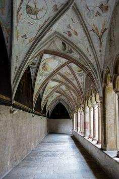Kreuzgang Franziskanerkloster Bozen http://fc-foto.de/36990484