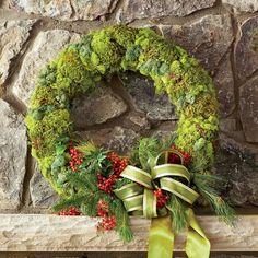 54 Festive Christmas Wreaths: Organic Moss Christmas Wreath