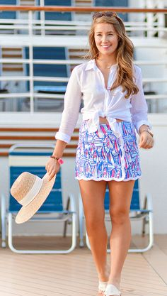 lilly pulitzer skort, sommer in lilly, lilly pulitzer button down, monogramm j … - Mode Kleider Modelle Adrette Outfits, Cruise Outfits, Preppy Outfits, Cruise Clothes, Preppy Clothes, Unique Outfits, Skirt Outfits, Preppy Mode, Preppy Style