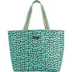 Much-requested by our fans, this extra-large tote is perfect for a family outing or a day at the beach