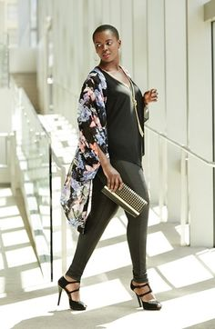 Yes, you can wear leggings if you are a curvy gal! Find out how at http://www.fabulousafter40.com/leggings-over-40-women/