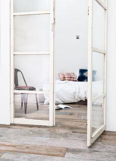   hinge doors   private spaces