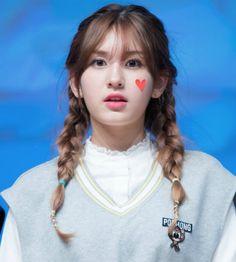 loat-my-nhan-han-cute-lac-loi-voi-toc-tet-2-ben-9