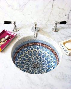 Bild über We Heart It http://weheartit.com/entry/189686951/via/26762146 #basin #bathroom #bohemian #boho #counter #countertop #crane #home #inspiration #kitchen #mandala #marble #morrocan #washbasin