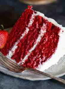 This BEST Red Velvet Cake EVER is the recipe my mom used. I have tried a LOT of Red Velvet recipes, and this is by far the best one out there. It's soft, moist and tender, with the perfect red velvet flavor! velvet Cake The BEST Red Velvet Cake EVER Easy Vanilla Cake Recipe, Chocolate Cake Recipe Easy, Homemade Vanilla, Easy Cake Recipes, Homemade Chocolate, Chocolate Recipes, Chocolate Cupcakes, Chocolate Chips, Red Velvet Flavor