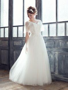 ウエディングドレスショップ シンデレラ 半袖フレアスリーブのチュールレースのウェディングドレス SS3933