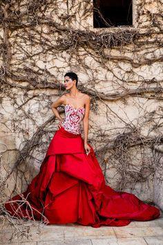 Magnificent wedding dress with satin skirt Jordi Dalmau 2016 Puffy Wedding Dresses, Pink Wedding Gowns, 2016 Wedding Dresses, Bridal Dresses, Quinceanera, Valentines Day Weddings, Satin Skirt, Rock, Bridal Collection