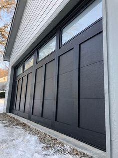 Unique Garage Doors, Carriage Style Garage Doors, Garage Door Colors, Best Garage Doors, Garage Door Styles, Carriage Doors, Painting Garage Doors, Garage Door Paint, Garage Door Panels