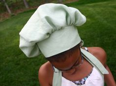 chef hat for kids tutorial Chef Hats For Kids, Kids Hats, Dress Up Costumes, Cool Costumes, Mardi Gras, Chef Costume, Hat Tutorial, Little Chef, Diy Hat