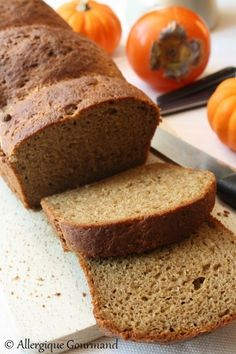 Pain magique sarrasin-quinoa { sans gluten} - Allergique Gourmand Brioche with pumpkin and spices {gluten-free, milk-free, egg-free} - Allergique Gourmand breakfast Easy Healthy Recipes, Raw Food Recipes, Healthy Cooking, Low Carb Recipes, Baking Recipes, Easy Meals, Baking Desserts, Healthy Meals, Dinner Recipes