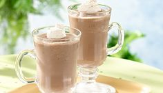 Iced Caramel Mocha Shake - Weight Watchers® Smart Ones® Ww Desserts, Healthy Desserts, Dessert Recipes, Healthy Food, Iced Mocha Coffee, Mocha Drink, Ww Recipes, Cooking Recipes, Yummy Drinks