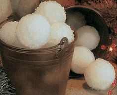 DIY Make a Bucket of Snowballs   - cute decor for the house at christmas!