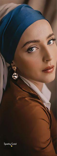 Idda Van Munster, Pin Up Girls, Vip, Royalty, My Favorite Things, Elegant, Brown, Hair Styles, Artwork