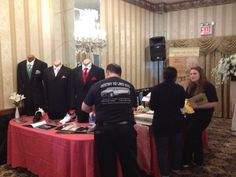 Our Teaming Working at one of the bridal shows. #bridals #shows #destinyh2limo #destiny #h2 #limo #weddings