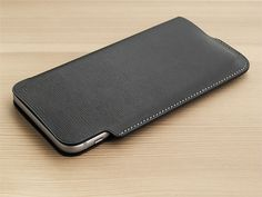 Lim Phone Sleeve 6 - rethink store