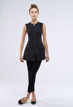 Noel Asmar Uniforms, the Montego in Black. Beauty Therapist Uniform, Beauty Salon Uniform Ideas, Beauty Uniforms, Spa Uniform, Scrubs Outfit, Work Uniforms, Sporty Style, Work Attire, Fitness Fashion