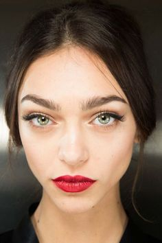 Classic makeup from Dolce & Gabbana fall 2015. #classic #beauty #makeup #redlip