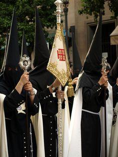 Semana santa de Sevilla. Nazarenos