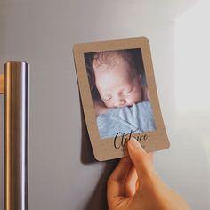 Envie d'originalité pour votre faire-part ? Découvrez nos magnets pour annoncer une bonne nouvelle... 👼 Faire Part Photo, Creations, Frame, Collection, Emboss, Page Layout, Frames