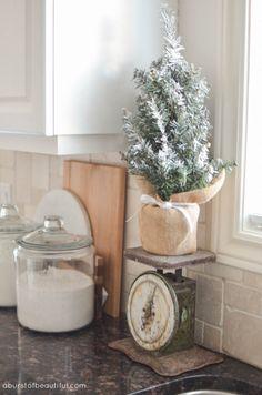 Christmas Home Tour 2015 - A Burst of Beautiful