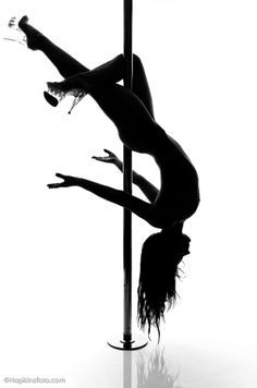 How hott would it be to be able to pole dance!? (I am not saying I'd be a stripper)