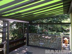 Komfortní hliníkové zastřešení terasy včetně integrované markýzy na dálkové ovládání a biočního zasklení