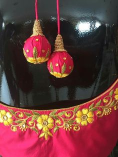 Hand Work Blouse Design, Simple Blouse Designs, Blouse Designs Silk, Designer Blouse Patterns, Traditional Blouse Designs, Wedding Saree Blouse Designs, Maggam Work Designs, Embroidery Neck Designs, Handmade Jewelry Designs
