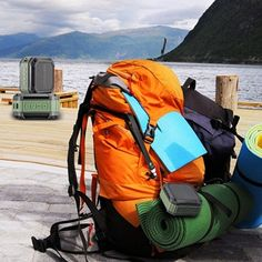 10 travel packing tips for Solo Female Travelers You don't need 10 pairs of shoes and a full designer wardrobe. Here are my best travel packing tips for solo female travelers. Solo Travel Tips, Packing Tips For Travel, Travel Hacks, Travel Ideas, Packing Lists, Europe Packing, Traveling Europe, Backpacking Europe, Travel Info