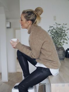 A Cool (And Cozy) Layered Winter Look To Try Now