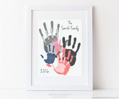 Personalized Family Portrait 5 Handprint Art Gift for Dad Mom Mothers Fathers Day Your Actual Hand Prints 1114 inches UNFRAMED Basteln mit Kindern Family Crafts, Baby Crafts, Crafts For Kids, Family Art Projects, Craft Projects, Family Hand Prints, Family Wall, Kids Art Galleries, Gifts For New Dads