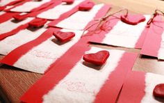 Joulukortit - taikataikina magneetti koristeena Christmas Cards, Gift Wrapping, Decorations, Gifts, Christmas E Cards, Paper Wrapping, Presents, Xmas Cards, Wrapping Gifts