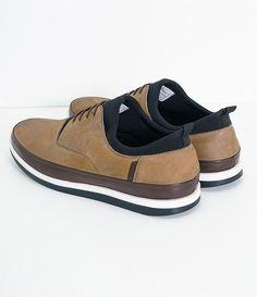 Sapatênis masculino Material: couro nobuck Com cano em neoprene Marca: Satinato Genuine COLEÇÃO VERÃO 2018 Veja mais opções de sapatênis masculinos.