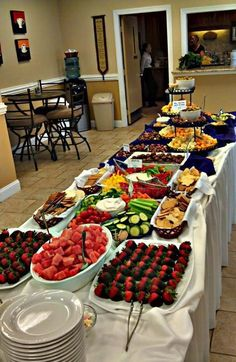 Wedding Buffet Food Party Buffet Food Set Up Food Platters Christmas Brunch Brunch Party Food Presentation Appetizers For Party Party Snacks Catering Buffet, Catering Display, Catering Events, Catering Ideas, Food Platters, Party Platters, Party Buffet, Veggie Tray, Christmas Brunch