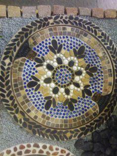 7 Attraktive Bilder Zu Kanaldeckel Mosaic Underworld Und