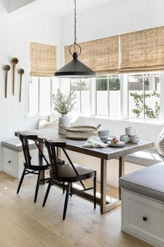 Dining Nook, Dining Room Lighting, Dining Room Design, Pendant Lighting Over Dining Table, Family Room Lighting, Dining Decor, Kitchen Seating, Kitchen Nook, Kitchen Decor
