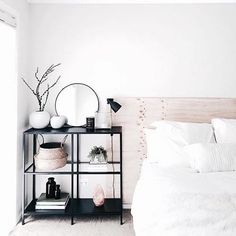 Minimalist bedroom perfection by the gorgeous @juthamat_by_jem #MinimalistBedroom