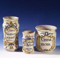 Botes de farmacia. Loza fina. Cataluña, siglo XVIII.