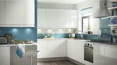 White walls w coloured splashbacks, then paint dining room walls to match glass