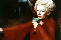 "Delphine Seyrig = La Comtesse Bathory -""Les lèvres douges"" = ""Daughters of darkness"" - Harry Kumel (1971)"