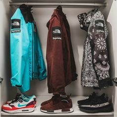 4 Factors to Consider when Shopping for African Fashion – Designer Fashion Tips Girls Sneakers, Best Sneakers, White Sneakers, Sneakers Nike, Girl Fashion, Mens Fashion, Fashion Design, Fashion Trends, Style Fashion