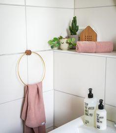 Die 7 besten Bilder von Mädchen Badezimmer | Powder Room, Apartment ...