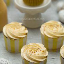 Cupcakes s vaječným likérom Cheesecake Cupcakes, Pudding, Food, Custard Pudding, Essen, Puddings, Meals, Yemek, Avocado Pudding